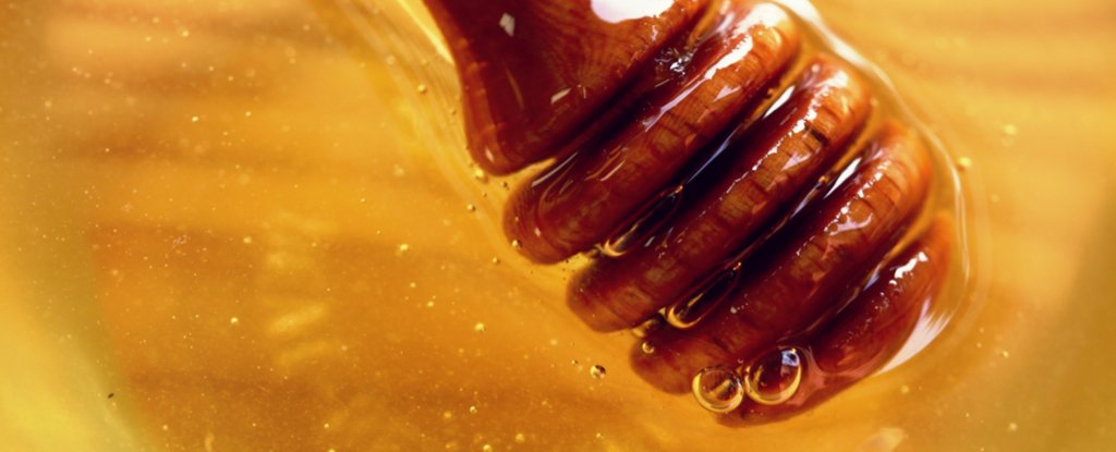 Is Manuka Honey Really a 'Superfood' For Treating Colds, Allergies And Infections?