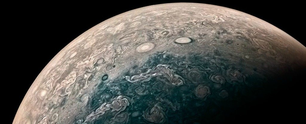 NASA's Juno Probe Just Sent Back Breathtaking New Images ...