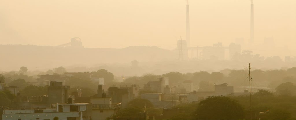 New Delhi's Air Is Now So Toxic, Schools Are Closing and Expats Are Fleeing