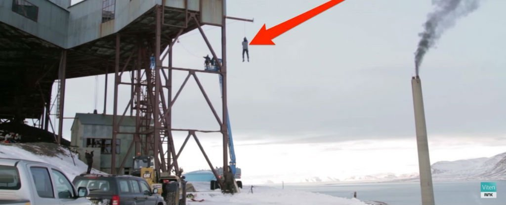 A Physicist Jumped Off The Side of a Building - Here's The Science That Saved His Life