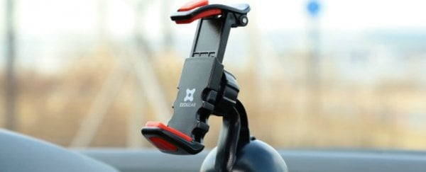 ScienceAlert Deal: Check out these simple universal smartphone car mounts