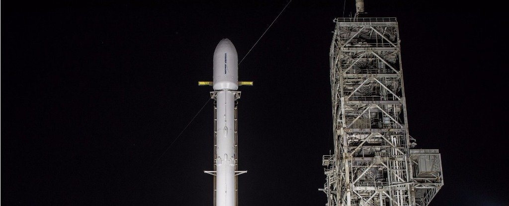 spacex is launching the top secret zuma mission tonight here s what we know november 17