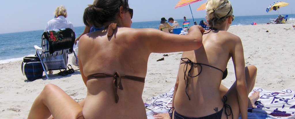 Evidence Emerges That 45% of Common Sunscreen Ingredients Mess With Sperm Function