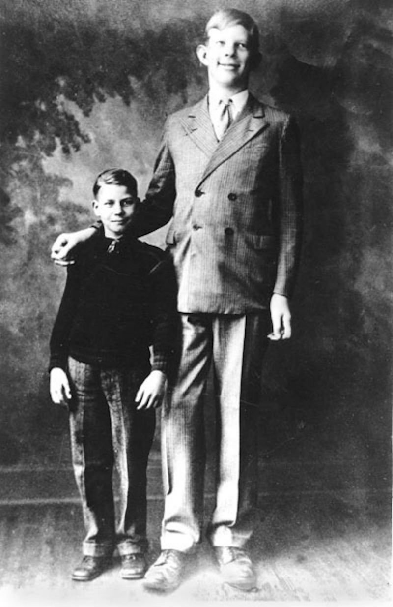 it s the birthday of the tallest man who ever lived