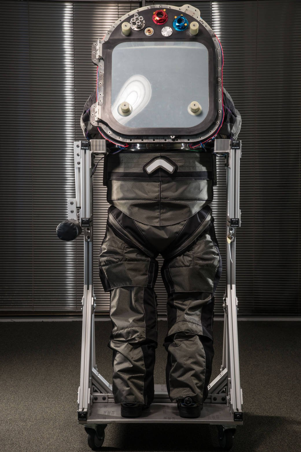 astronaut suit on mars - photo #17