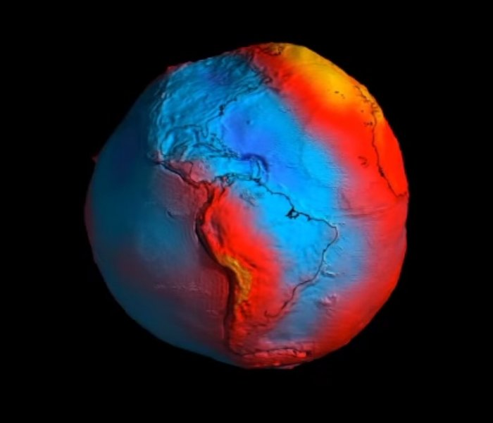 Don't Be Fooled by a Viral GIF That Claims Earth Is Actually