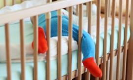 ffolas_-_baby_in_cot